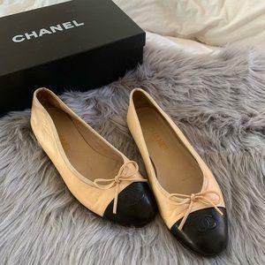 Chanel cap toe ballerina flats 38